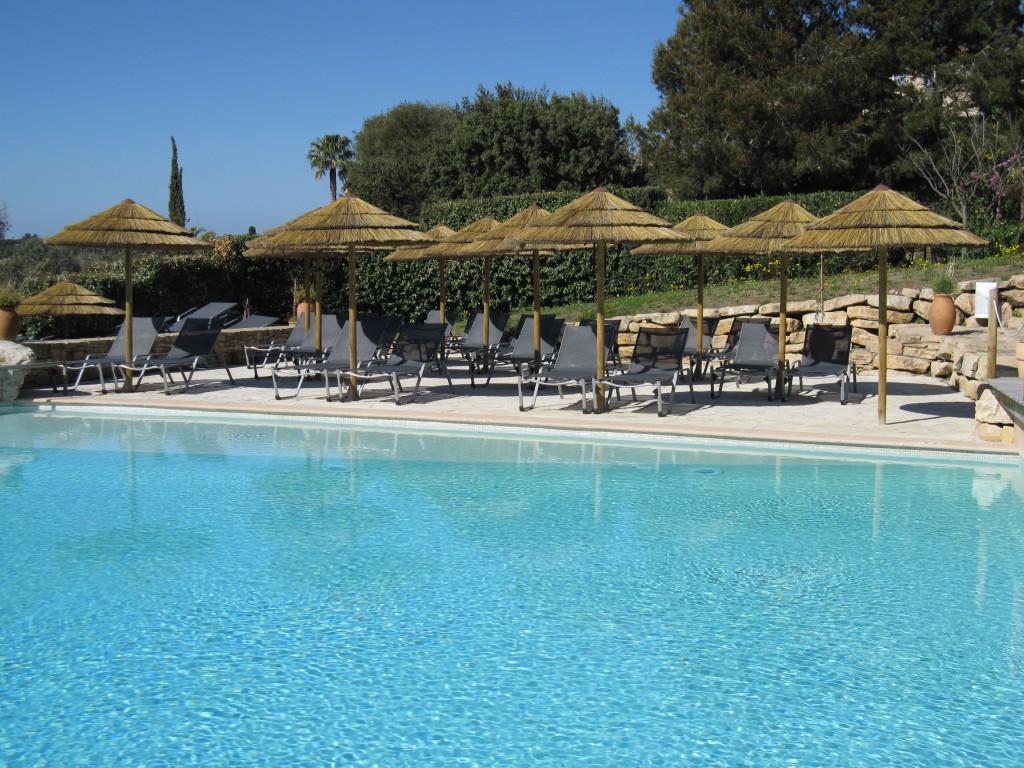 Piscine extérieure Dolce Fregate Provence @Troy House (7)